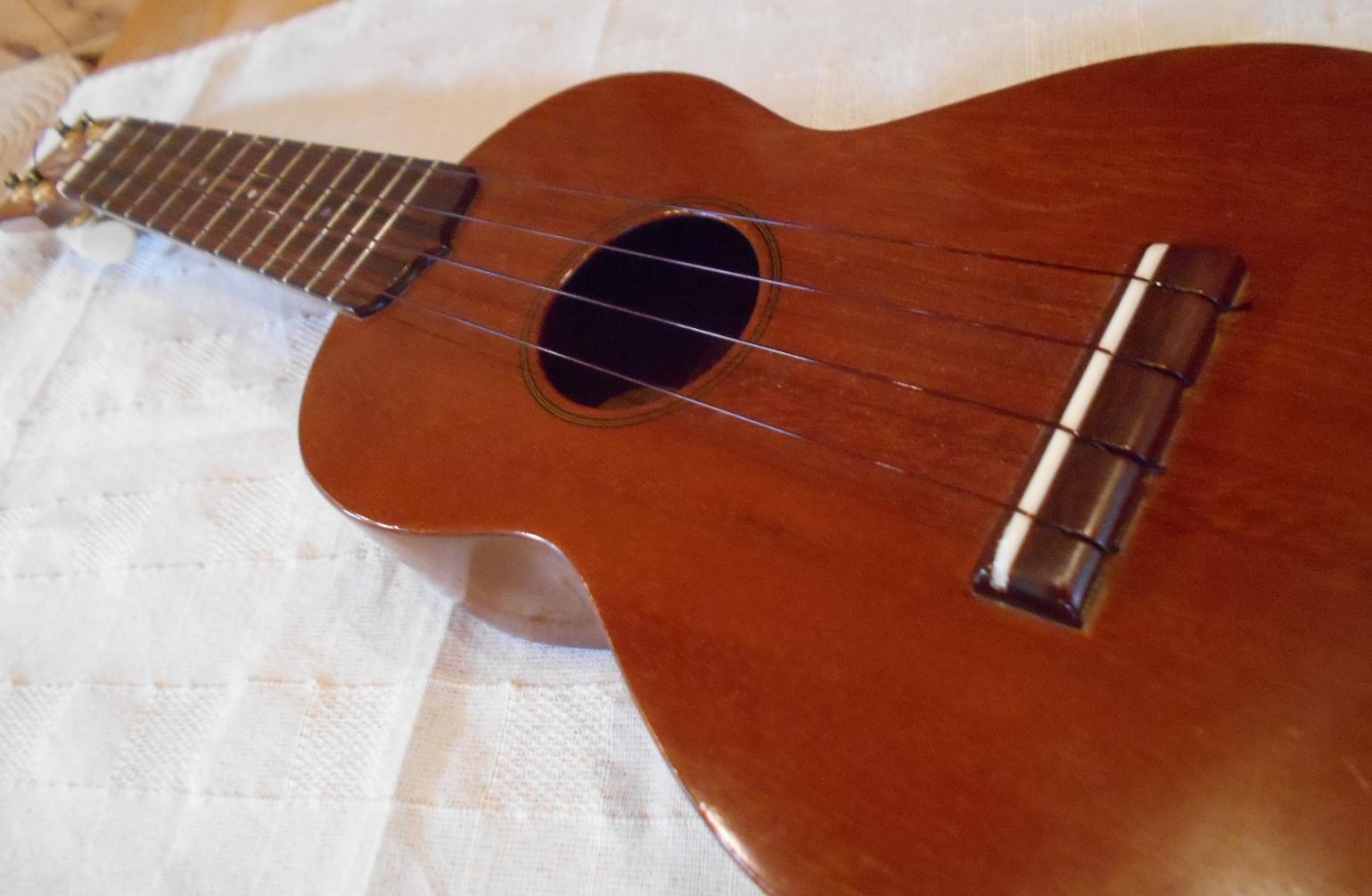 Banshowboh_ukulele